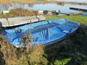 abandoned-boat-h13