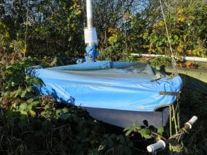 abandoned-boat-l05