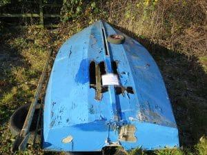 abandoned-boat-l09
